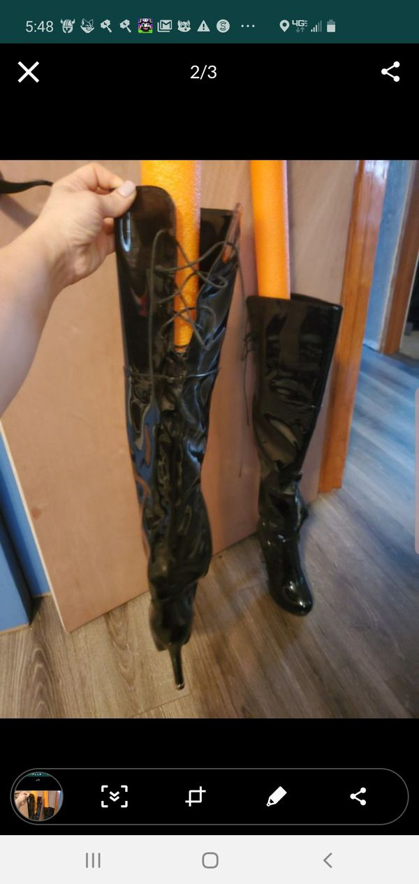 Size 8 never worn tried on not quite me
