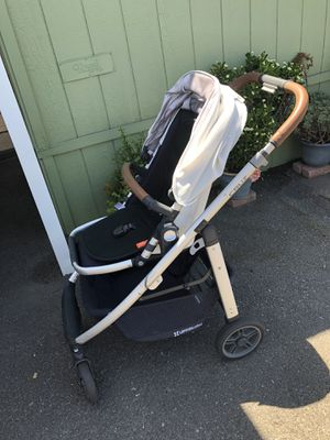 Uppababy cruz 2017 for Sale in Escondido, CA