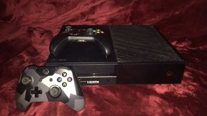 Xbox one with two controllers for Sale in Miami, FL