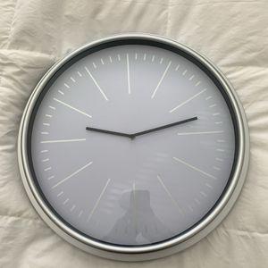 Modern Silver Clock for Sale in Menifee, CA
