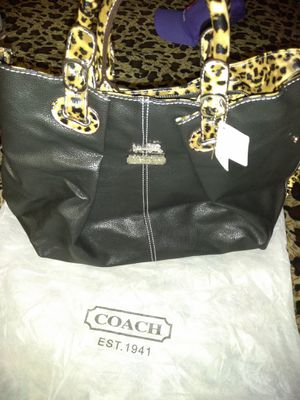 Cartera COACH nueva for Sale in Dallas, TX