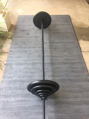 Standard Weights/7ft Bar 207lbs for Sale in Riverside, CA