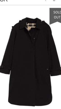 Burberry Cromardy Long Hooded Lady Coat for Sale in Happy Valley,  OR