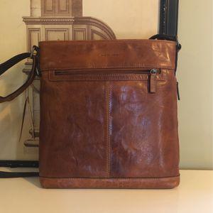 NWT Distressed Buffalo Leather Messenger Crossbody for Sale in Santa Ana, CA