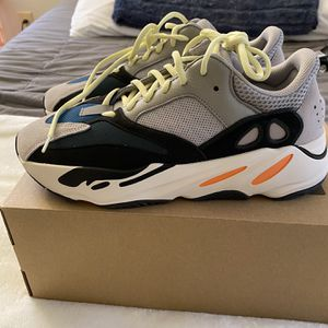 Yeezy Wave Runner for Sale in Germantown, MD
