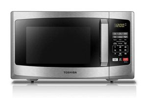 Toshiba Microwave (Like New) for Sale in Los Angeles, CA