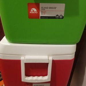 Cooler for Sale in Bell Gardens, CA