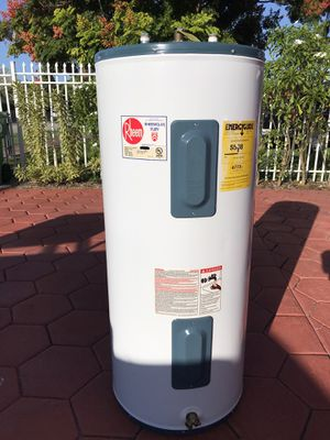 Water Heaters Rheem 40 Gal. (WESTCHESTER for Sale in Miami, FL