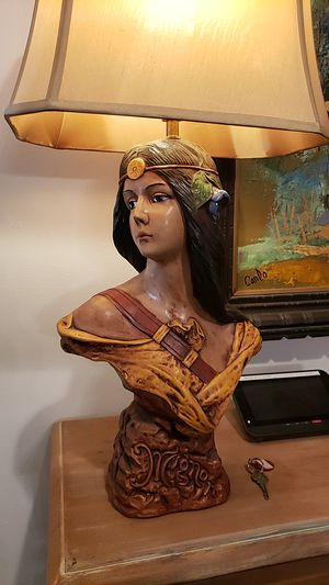 Vintage Mignon Pocahontas lamp, for Sale in Scottsdale, AZ