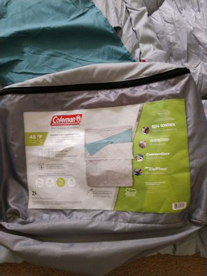 Coleman Queen Size Sleeping Bag 2 months old and never used outdoor for Sale in Fountain Valley, CA