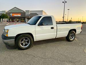 2004 Chevy Silverado LS Clean Title for Sale in Phoenix, AZ