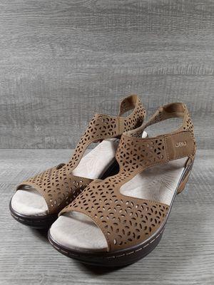 Jambu Chloe Wedge Beige Sandals Size 8.5M for Sale in Marshall, TX