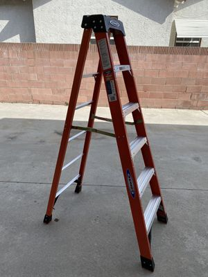 6 foot professional 300 pound Werner ladder for Sale in Lakewood, CA