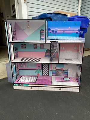 LOL Doll House for Sale in Waldorf, MD
