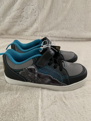 Marvel Black Panther Boys Light Up Shoes Size 5 for Sale in Quincy, IL