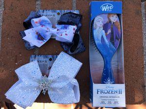 Lot of Disney Frozen II Hairbrush Detangler and 2 Hair Bows Anna Elsa NEW for Sale in Irvine, CA