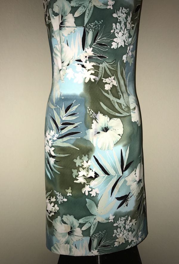 MOVING & CLOSEOUT SALE !!! New Beautiful floral dress for sale !!!