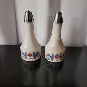 Vintage Oil And Vinager Bottle Set Great Shape Complete for Sale in Allen, TX