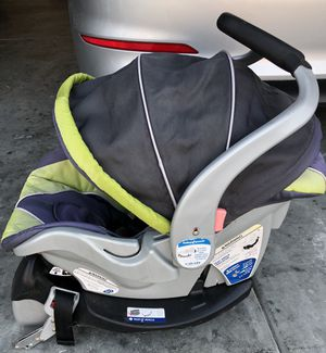 Baby Trend car seat with base for Sale in Pekin, IL