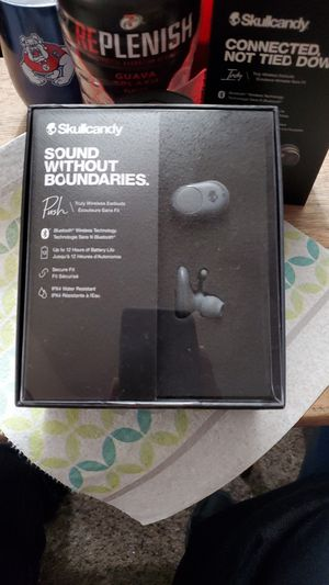 Skullcandy wireless headphones for Sale in Fresno, CA