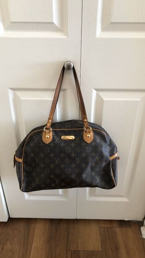Louis Vuitton purse for Sale in Oceanside, CA