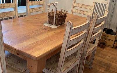 Dining room kitchen Table Amazing Solid Would With 6 Chairs for Sale in Plainview,  NY