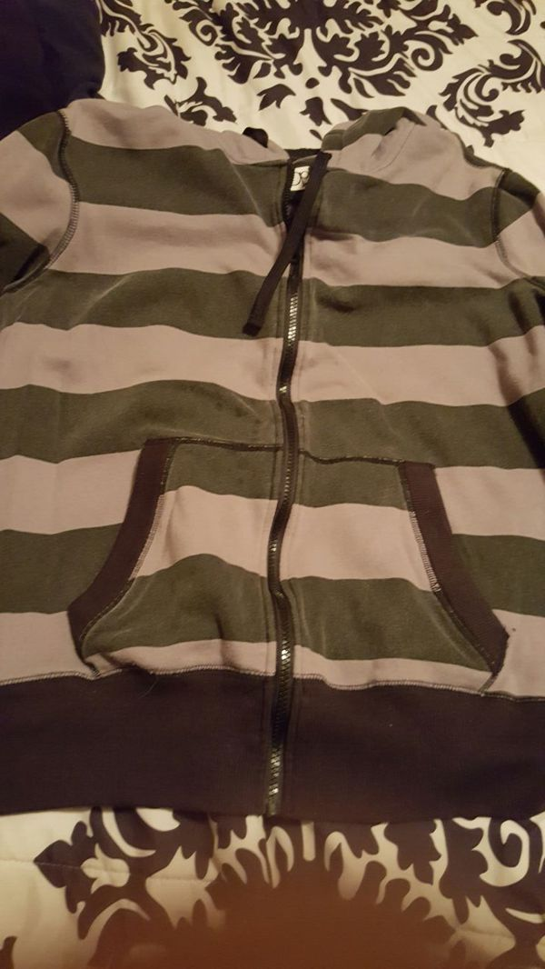 Zippered long sleeved