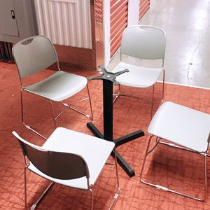 Chairs And Solid Table Base for Sale in Atlanta, GA