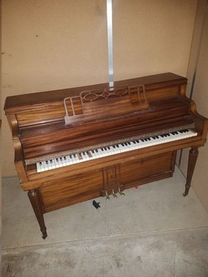 Free piano for Sale in Clackamas, OR