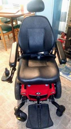 Jazzy 600 ES motorized wheel chair for Sale in Bridgeville, PA