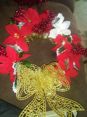 Wreath red. White an gold for Sale in West Monroe, LA