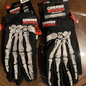 Gloves for Sale in Providence, RI