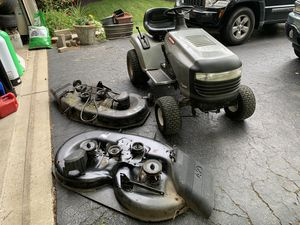 Craftsman Lawn Tractor LT2000 with 2 mower decks for Sale in Dublin, OH