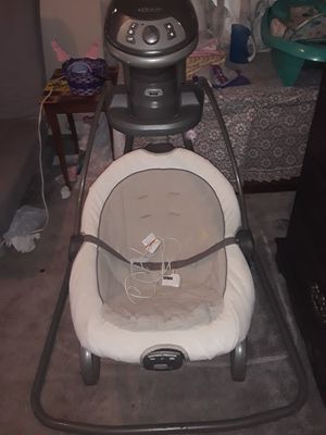 Graco DuetSoothe Bouncer/Multi-Angle Swing for Sale in Austin, TX