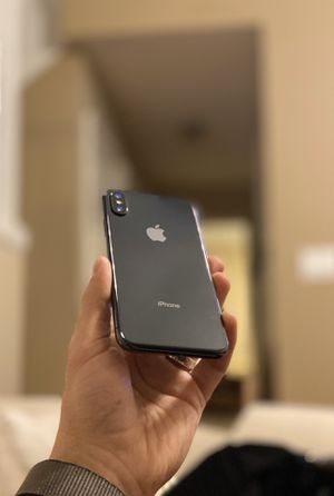 iPhone X - 64GB - T-Mobile/Verizon for Sale in Lee's Summit, MO