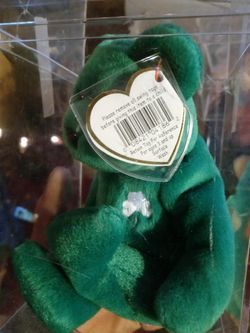 Erin Beanie Baby In Collectable Clear Case for Sale in Carmichael,  CA