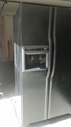 refrigerator free, pick up today please. for Sale in Brentwood, TN