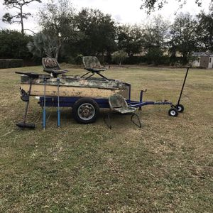 Fishing Boat With Paddles, Trolling Motor - Minn Kota And Deep MarineBattery - With Trailer - Good Condition for Sale in Orlando, FL