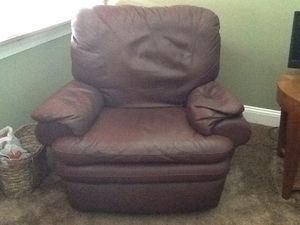 Natuzzi leather recliner for Sale in Howell Township, NJ