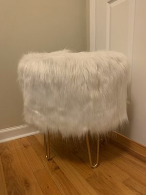 Faux Fur Ottoman for Sale in Chicago, IL