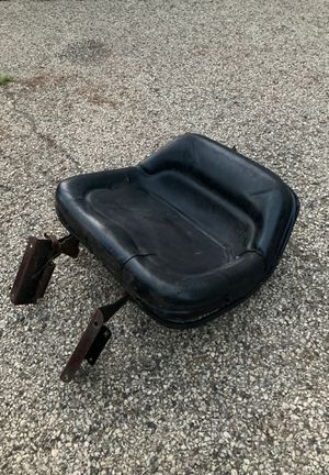 MTD/ Yardmachines seat for Sale in Cary, IL