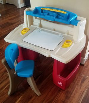 Step 2 Deluxe Kids Desk for Sale in Houston, TX