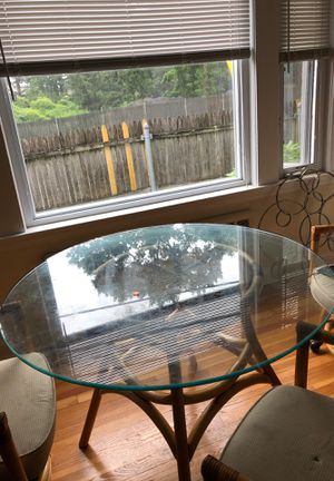 Kitchen table and chairs for Sale in Chestnut Hill, MA