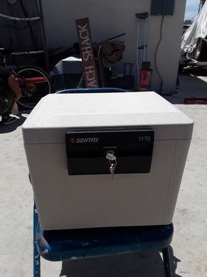 SENTRY SMALL FIRE SAFE WITH KEYS for Sale in Los Angeles, CA