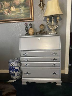 Mueble antiguo de madera gris con plateado for Sale in San Bernardino, CA