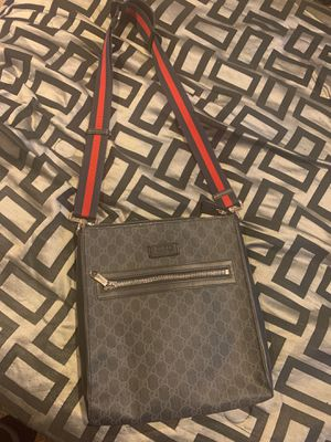 Gucci messenger bag for Sale in UPPR MARLBORO, MD