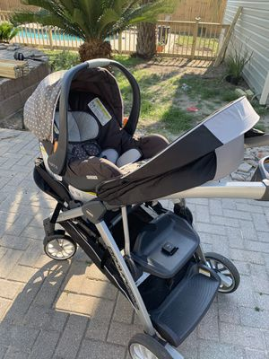 Chico brave baby car seat and double stroller. for Sale in Panama City, FL