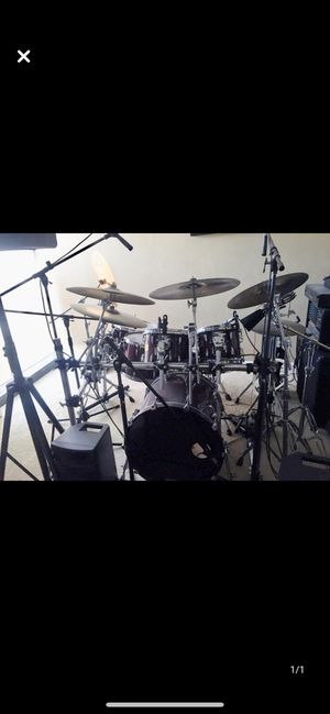 Master Pearl Custom Color: Burgundy 1 snare, 6 piece drum set, with racks, symbols and hardware for Sale in Hialeah, FL