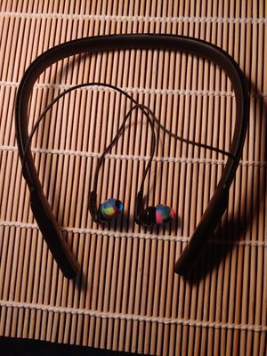 Scullcandy sweatproof sports earbuds for Sale in Weston, MO