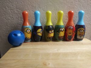 Minnion bowling set for Sale in Long Beach, CA